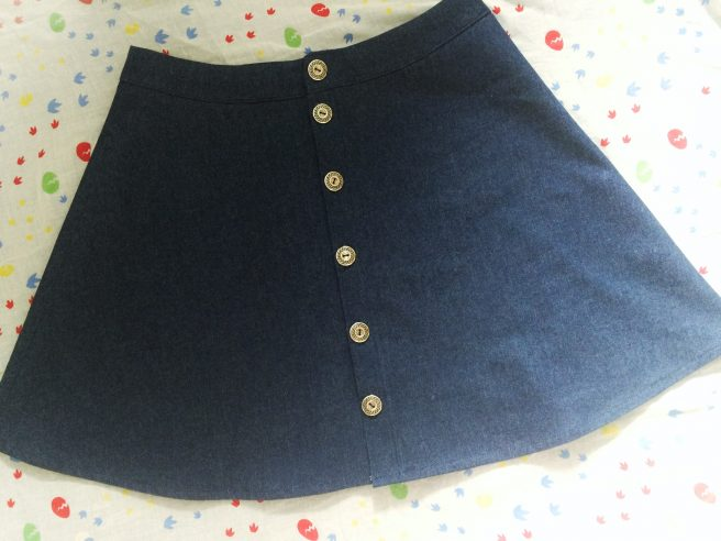 Ta-da! My finished denim skirt. Ready to wear and will go with pretty much everything in my wardrobe. Bonus!