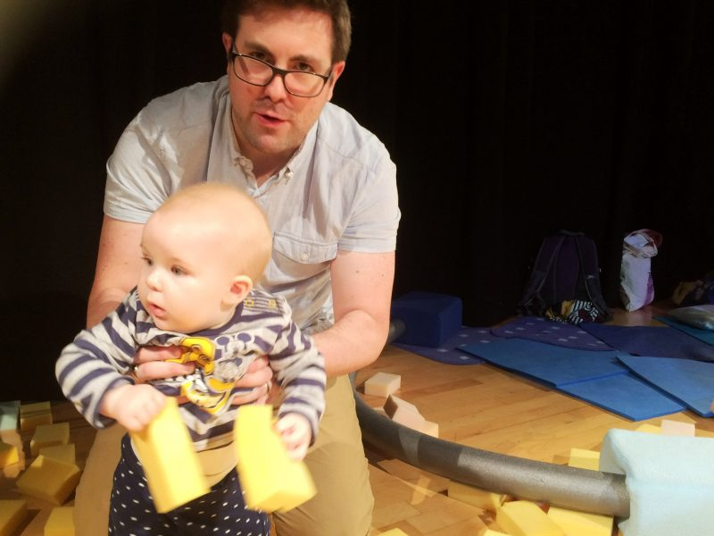 Baby playing in Sponge theatre show