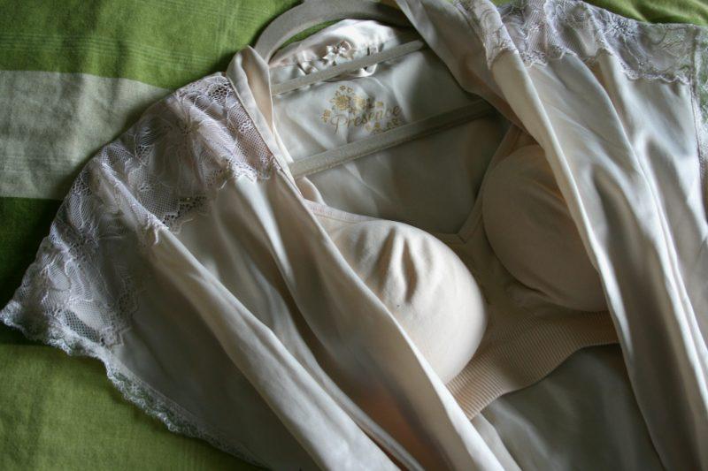 Bravado Seamless Nursing Bra in Lait with robe