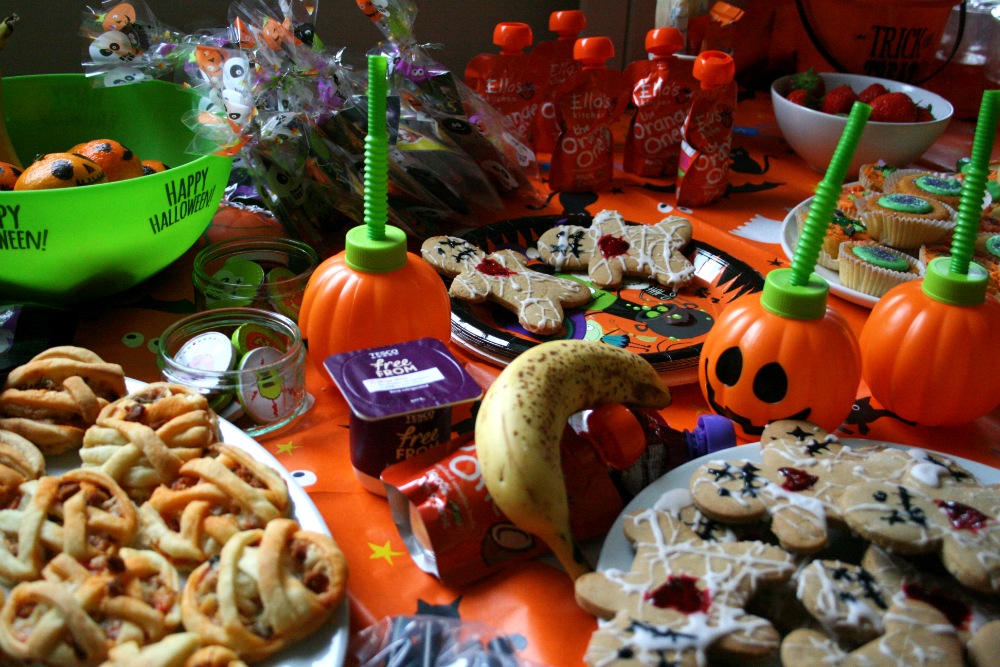 Pinterest, Pizza-Making and a Toddler Halloween Party #LittleLoves