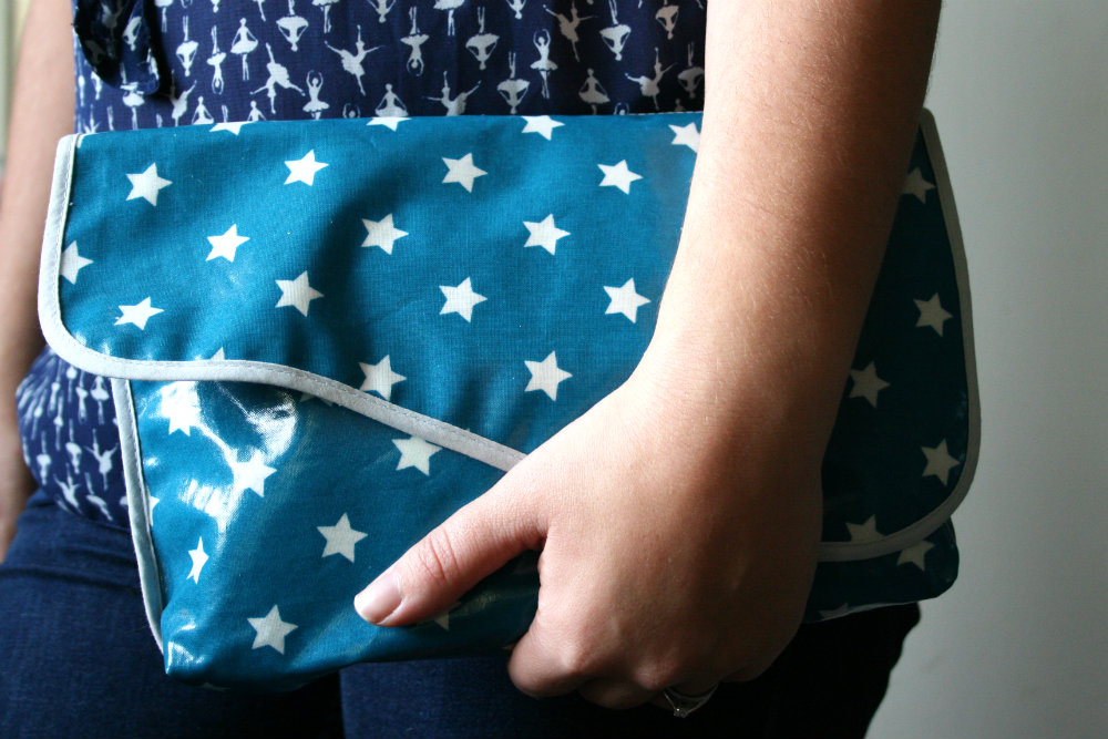 Messy Me Clutch Bag underarm