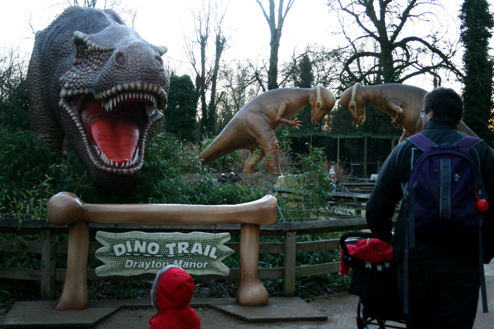 The Entrance to the Dino Trail in Drayton Manor