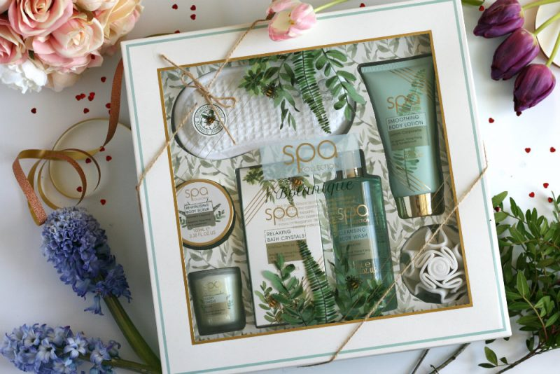 Spa Botanique Gift set surrounded by flowers