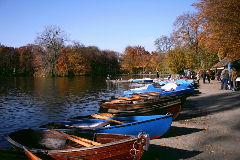 Rowing boats on a lake or river for a great outdoors date idea