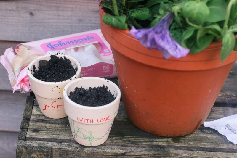 Little pots planted thanks to Johnson's Baby